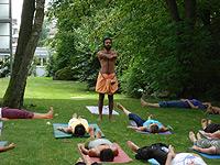 LivingUp Yoga mit Gastdozent